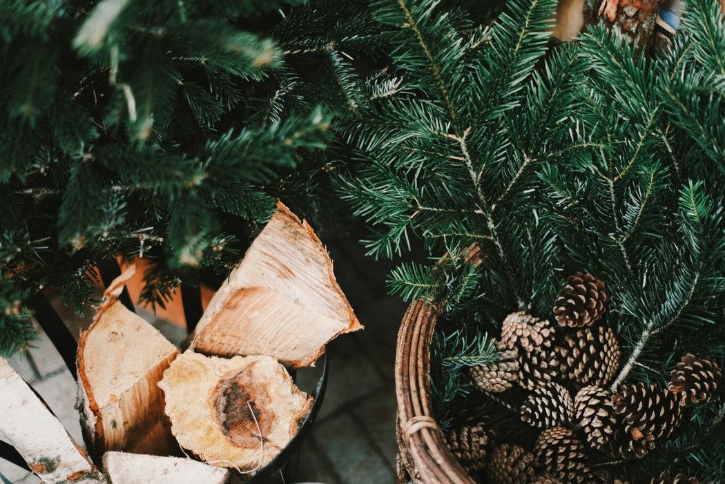 Advent, Bilder von Holz und Tannenbaum (Weihnachtsbaum)