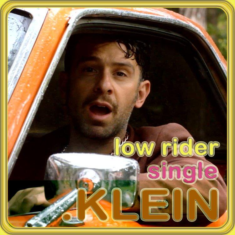 mit der single 'low rider' begibt sich .KLEIN auf das territorium der mexikanischen vato kultur. das low rider auto ist ein ironisches statement des ... - klein1