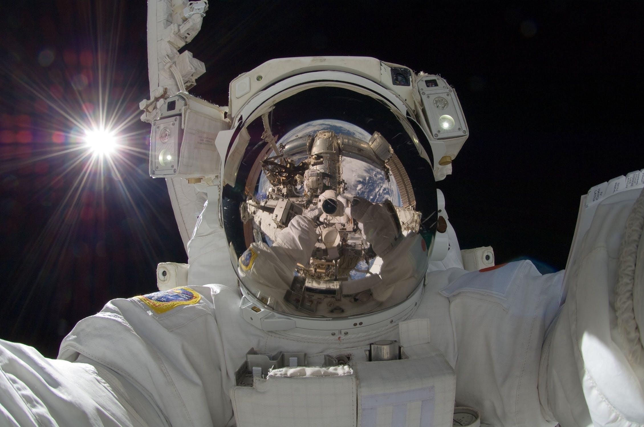 Mondkolonie: Gibt es ab 2028 Menschen und Internet auf dem Mond?